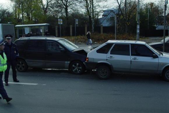 В Парголово из-за ДТП была большая пробка: Фото