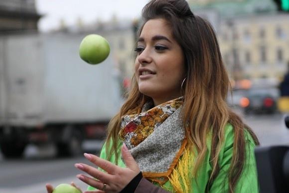 Сто килограммов яблок против курения: Фото