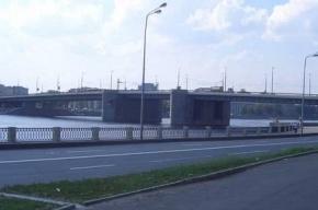 Сухогруз врезался в мост в Петербурге