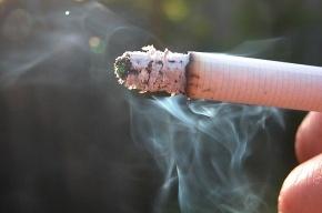 На крыльце детской больницы дым стоит коромыслом