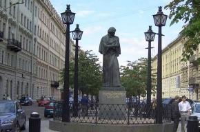 Памятник Гоголю станет сегодня центром борьбы с абортами