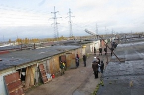Гаражники строят на Парнасе баррикады