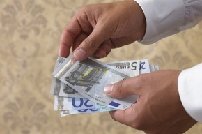 Деньги охотно дают тем, у кого они есть