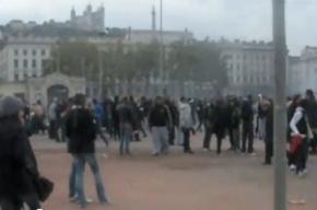 Бунт во Франции. Протестующие блокируют вокзалы и аэропорты