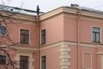 Крышу школы № 28 ремонтировали над головами детей: Фоторепортаж