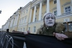 Фоторепортаж: «У Конституционного суда задержали ВИЧ-активистов»