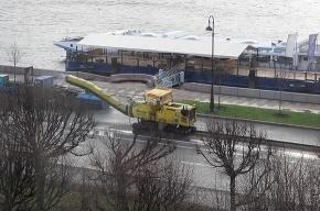 На Петровской набережной хороший асфальт заменили на суперхороший
