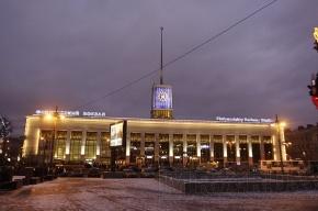 Очевидец: часы на башне Финляндского вокзала не перевели