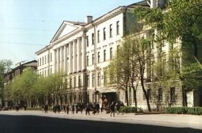 В Петербурге горит кадетский ракетно-артиллерийский корпус