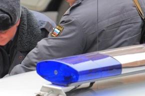 Люди в милицейской форме остановили машину и ограбили водителя