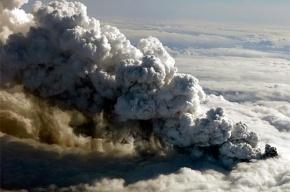 Вулкан снова мешает самолетам летать