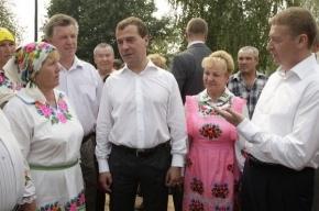 Медведев будет общаться с народом через интернет-приемные