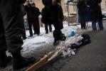 Фоторепортаж: «В центре Петербурга задержали активиста, который хотел сжечь чучело Барака Обамы»