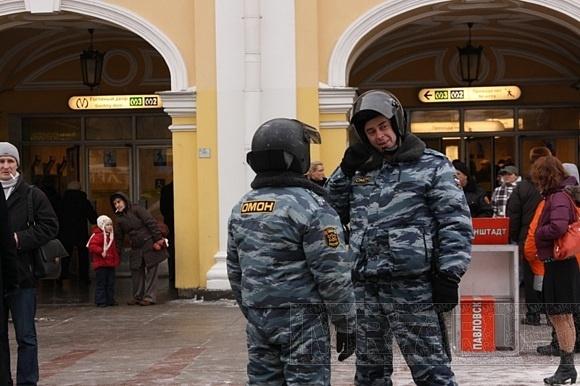 ГУВД: В Петербурге всё под контролем: Фото
