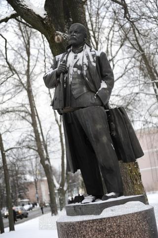 Взрыв памятника Ленину. Пушкинцы негодуют: Фото