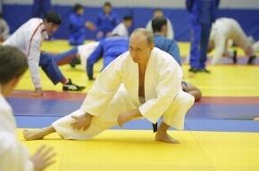 Путин в Петербурге встречался и тренировался