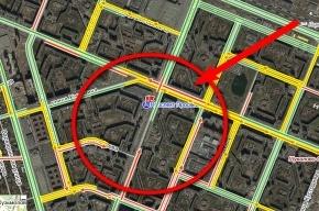 Километр кипятка парализовал движение на проспекте Энгельса