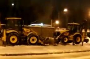Теперь уже два трактора работают вхолостую (ВИДЕО)