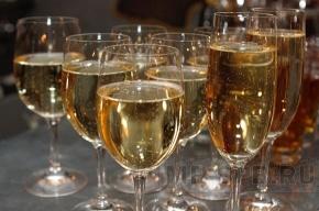 «Коммунистов Петербурга» возмущает предложение запретить продажу алкоголя в Новый год