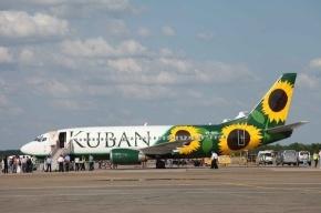 Самолет, летевший из Петербурга в Краснодар, совершил аварийную посадку