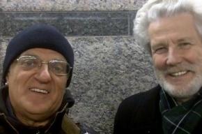 Хорошие новости: Солисты ансамбля «Поющие гитары» поздравляют читателей с Новым годом!