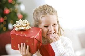 Родители в шоке: 5-летние дети просят у Деда Мороза кошельки, а подростки – киндер-сюрпризы