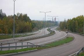 На границе с Финляндией – 30-километровая очередь из грузовиков