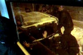 Машину, создавшую пробку в Кузнечном переулке, пришлось переносить вручную