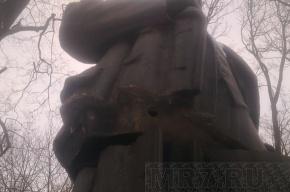 В День чекиста в Пушкине взорван памятник Ленину