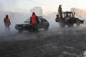 Во время ликвидации аварии в Выборгском районе, ремонтники наткнулись на несанкционированную платную автостоянку