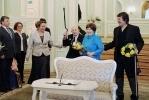 Неравный брак: 103-летний жених и 72-летняя невеста сочетались сегодня браком в Петроградском загсе: Фоторепортаж