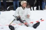 Фоторепортаж: «В Полежаевском парке сегодня ели гречневую кашу и стреляли из автоматов»