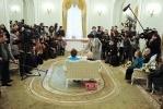 Фоторепортаж: «Неравный брак: 103-летний жених и 72-летняя невеста сочетались сегодня браком в Петроградском загсе»