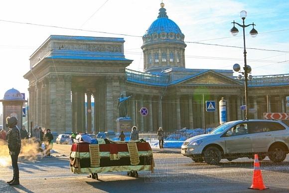Гроб на Невском: фоторепортаж: Фото