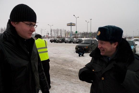 Автопробег «Синих Ведерок» в Петербурге закончился задержанием шестерых участников: Фото