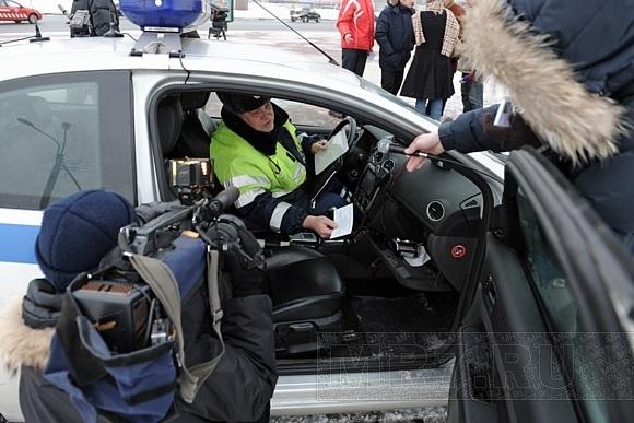 Петербургским водителям-нарушителям предлагают расплатиться на месте: Фото