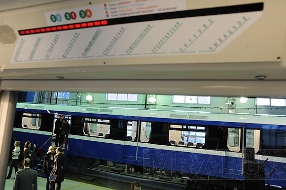 Какими будут новые вагоны метро: фоторепортаж (вагоны нева): Фото