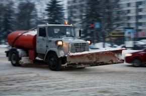 На каких улицах Петербурга сегодня побывают эвакуаторы и снегоуборщики?