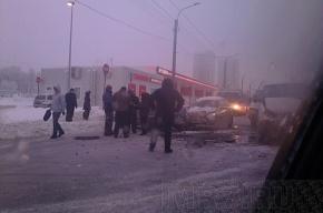 На проспекте Маршала Жукова произошло ДТП с участием пяти машин