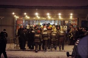 Обрушение крыши гипермаркета в Петербурге: 17 пострадали и одна погибла