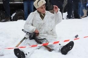 В Полежаевском парке сегодня ели гречневую кашу и стреляли из автоматов
