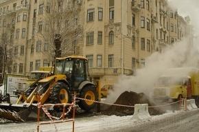 На Васильевском острове устраняют потенциальную аварию