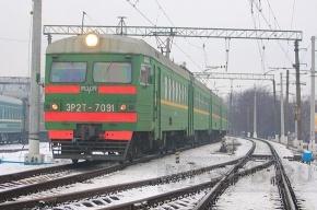 Утром 8 пассажирских поездов следовавших из Петербурга в Москву были задержаны на час