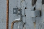 Незакрытая трансформаторная будка – чем это чревато?: Фоторепортаж