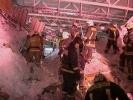 Почему рухнула крыша гипермаркета? Ответ - через три недели: Фоторепортаж