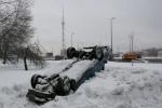 Машину отбросили в сугроб, чтобы не мешала?: Фоторепортаж