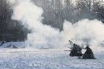 Фоторепортаж: «Около метро «Нарвская» прошли бои»