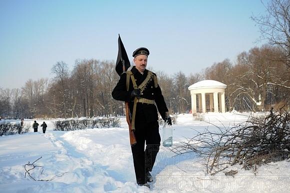 В парке «Екатерингоф» играли в войнушку: Фото