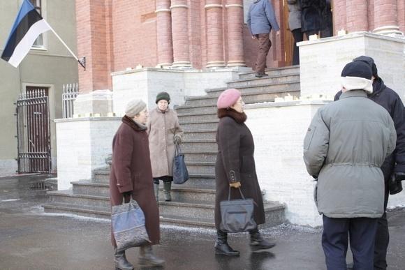 На Декабристов после реставрации открылась церковь: Фото
