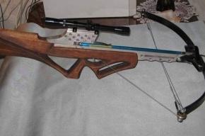 Петербуржец застрелился из арбалета